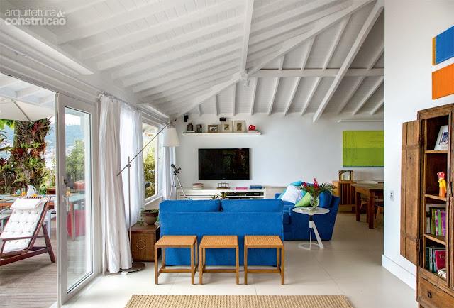 Brasileiríssima casa de praia reformada em Angra dos Reis. Blog Achados de Decoração