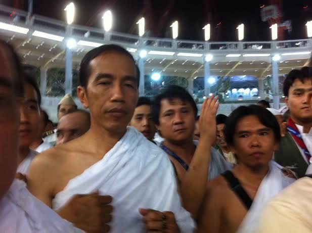 Terbetik Kabar Jokowi akan Pergi Umroh, Hindari Aksi Demo Damai Jilid 3 : Berita Terbaru Hari Ini