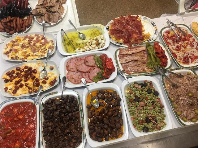 Bandejas para el almuerzo del restaurante casa Aragó I