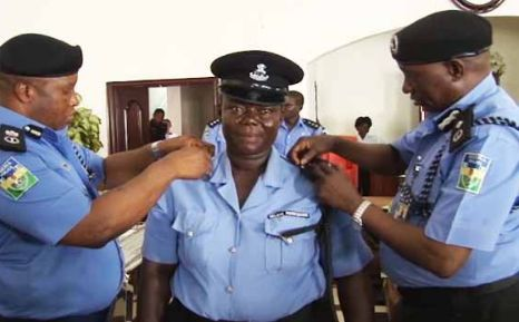 Female Police Who's Dedicated to Her Job Gets Promoted to Inspector Rank