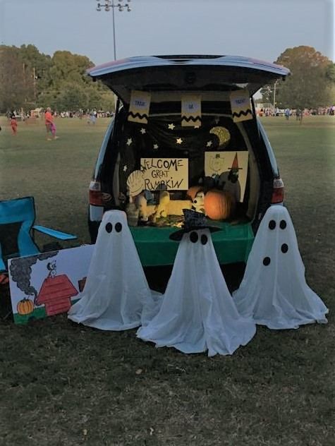 The Harris Sisters Last Minute Trunk Or Treat Decoration Ideas