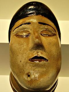 Antígona [Francisco Brennand] (1978) - Cerâmica Vitrificada