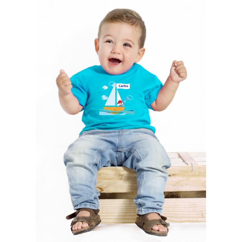 http://www.camisetaspara.es/camisetas-para-bebes/832-camiseta-barco-nombre.html