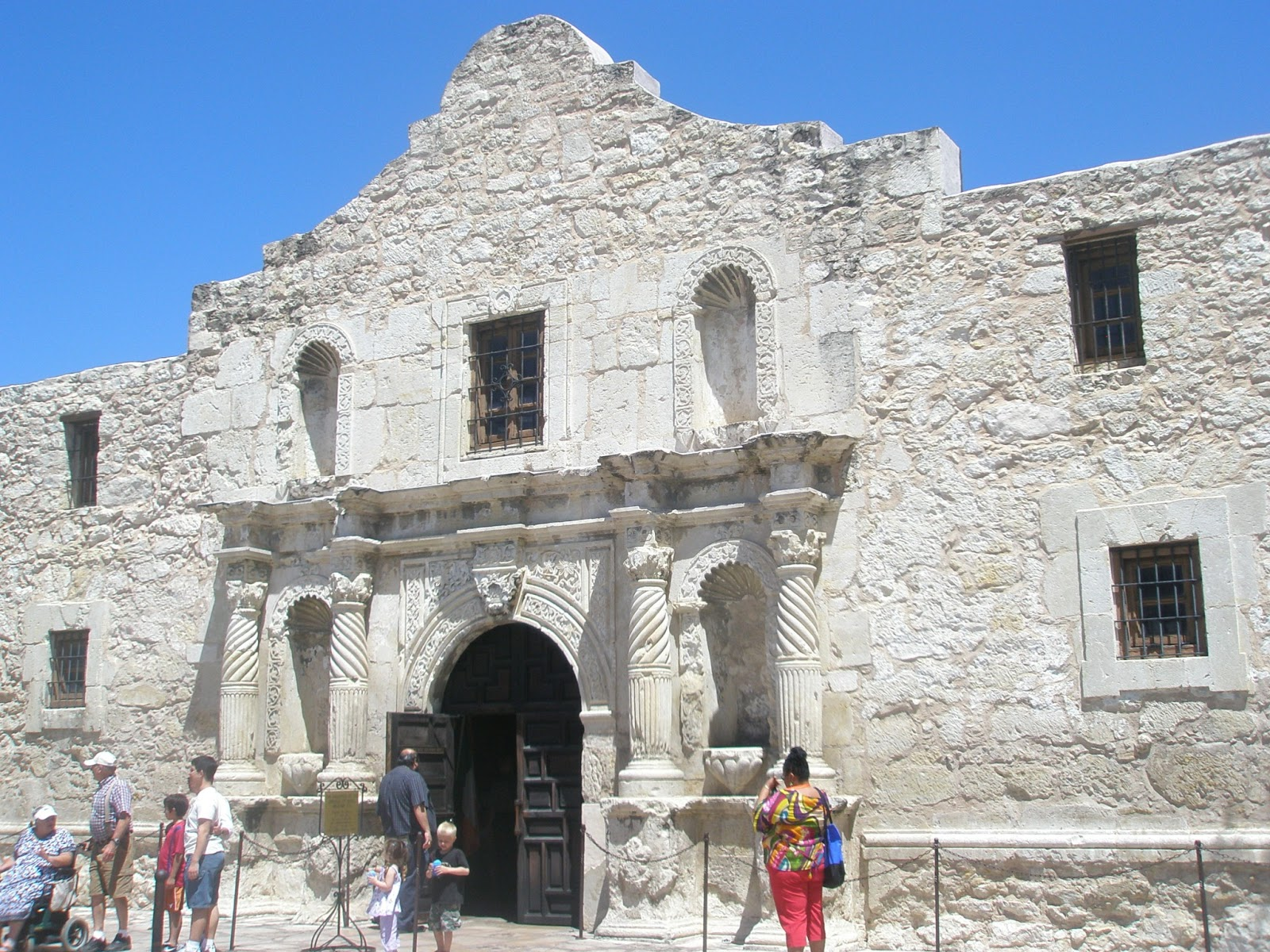 Sweethearts Of The West Visiting The Alamo By Tanya Hanson
