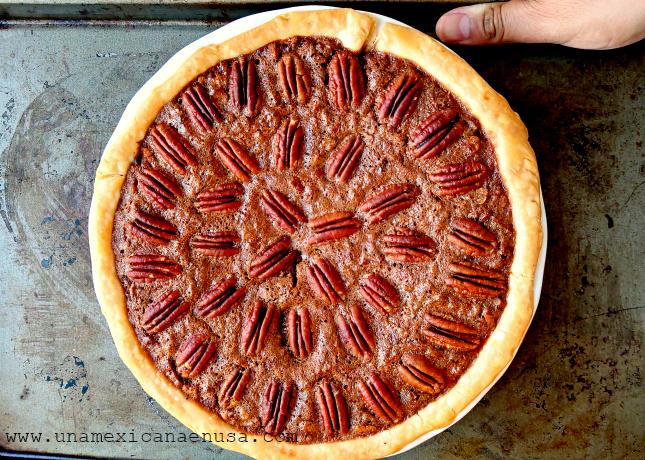 Tarta de Nuez - Pecan Pie - by www.unamexicanaenusa.com