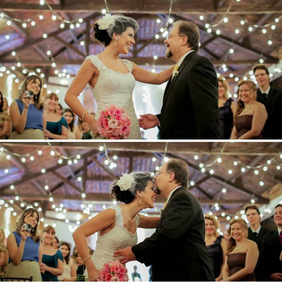 casamento-lindo-singelo-cerimonia-luzinhas-entrada-noiva-1