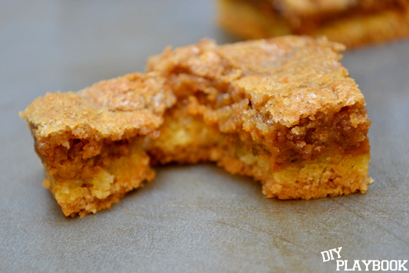 Crumbly Pumpkin Squares