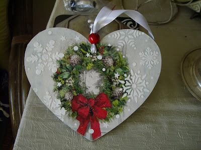 Inspiracje ze świata sztuki i przyrody – świąteczno – zimowe serca ze sklejki :)