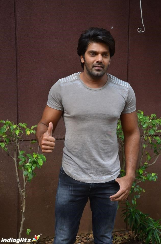 nikhil arya body