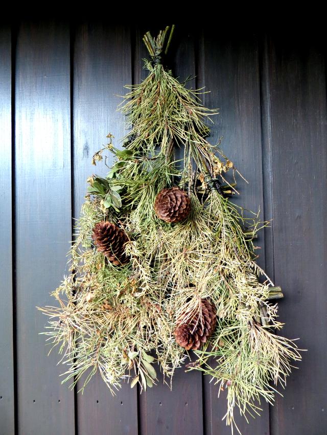 old spruce wreath vanha kuusikranssi