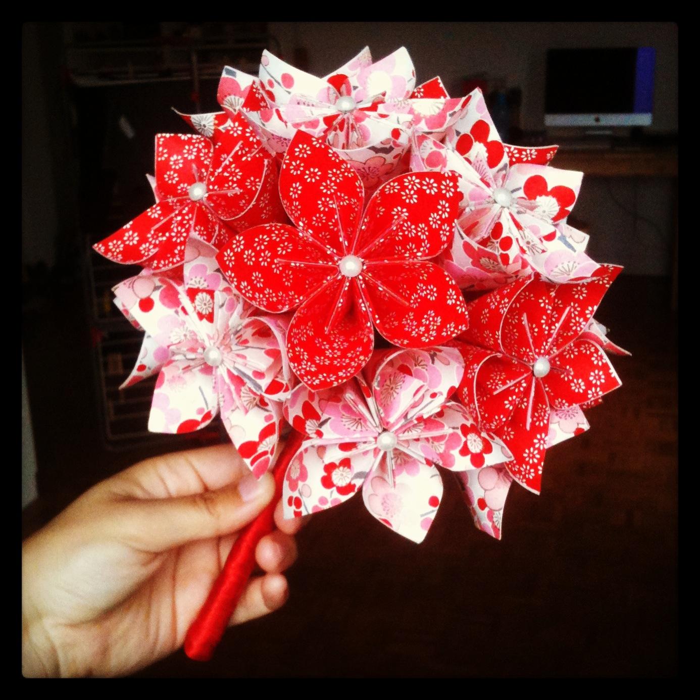 bouquet de mari e papier japonais chiyogami nanie origami. Black Bedroom Furniture Sets. Home Design Ideas