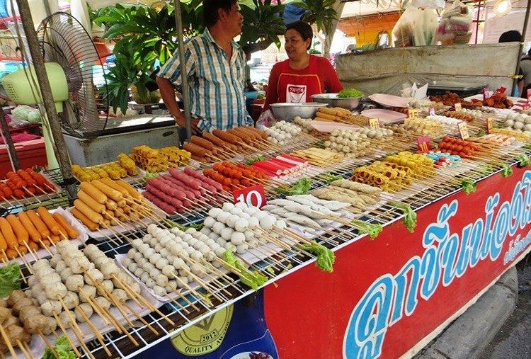 сосиски и рыбные шарики