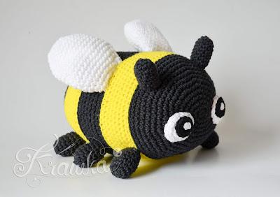 Krawka: Bumblebee bee bug crochet spring pattern by Krawka
