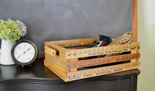 Wadah kotak peti terbuat dari penggaris kayu
