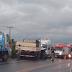 Acidente entre micro-ônibus, carro e caminhão deixa um morto e seis pessoas feridas no Ceará
