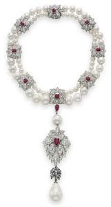 مجوهرات فائقة الجمال لكنها ملعونة - عالم تاني
