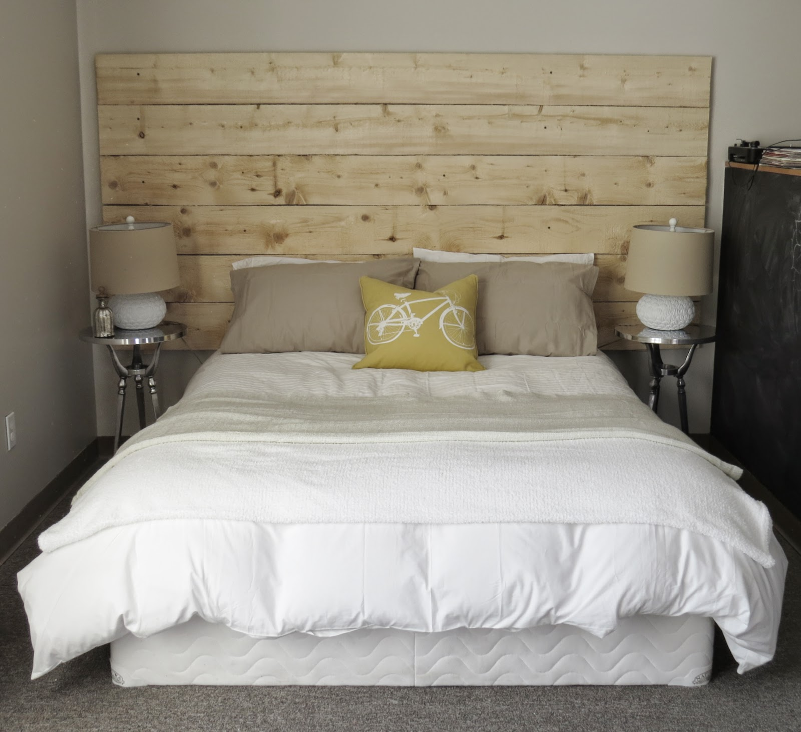 The Long Awaited Home  Megan s Rustic Wood Headboard She loves to decorate  and has her own ideas and style  She wanted to make  a rustic headboard for the little nook where her bed resides