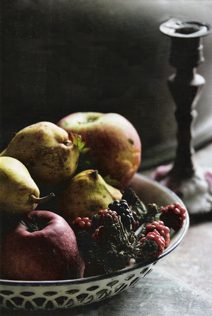 image via Maison Francaise Magazine as seen on linenandlavender.net