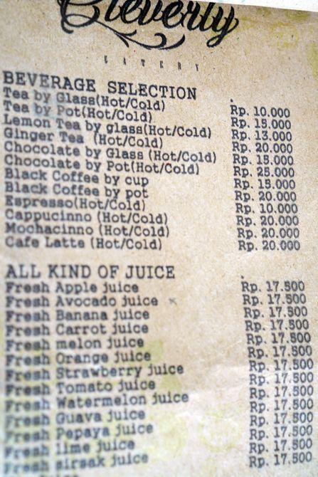 Daftar menu kopi di kedai d'Emmerick Salatiga
