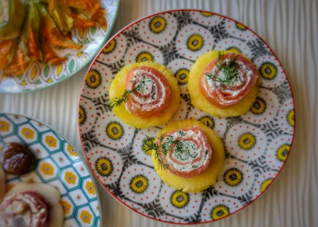 rolls di salmone, crema di ricotta e finocchietto