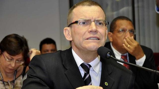 Ai que tudo? Espírito Santo elege primeiro senador gay e tira aliado de Bolsonaro