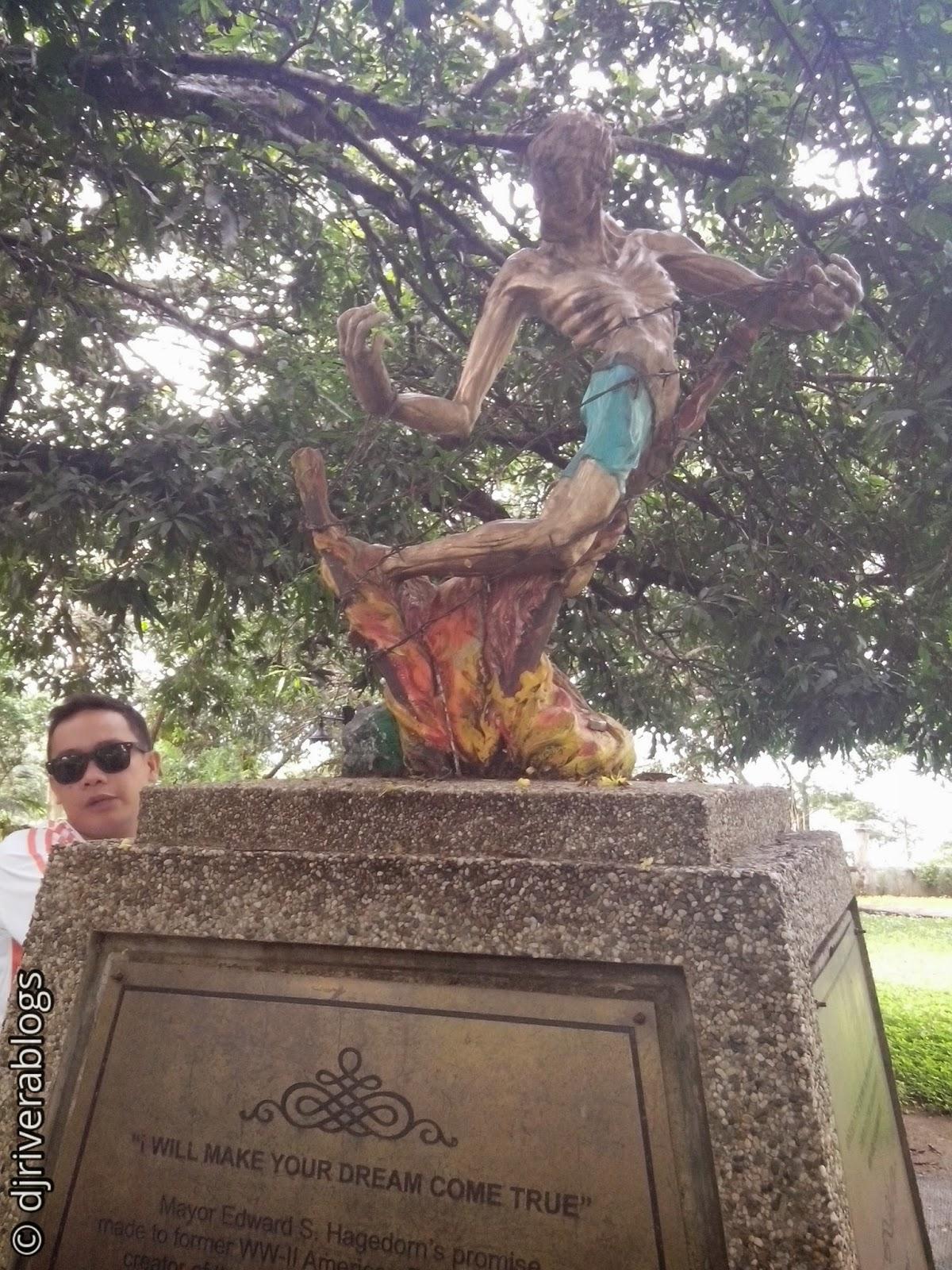 Plaza Cuartel sculpture