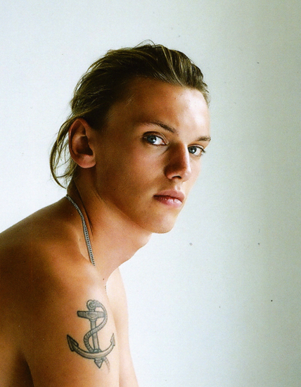 17 Pretty Makeup Ideas With Pastel Colors: 17 Blocks From Barneys: JAMIE CAMPBELL BOWER FEELS PRETTY
