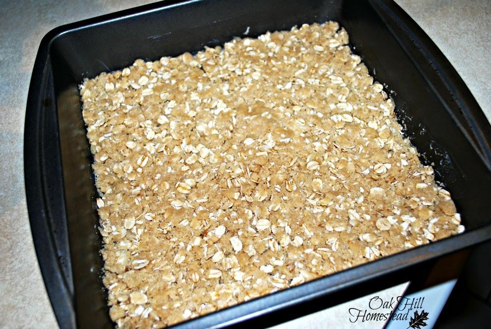 Jam bars, press the crust into the pan.