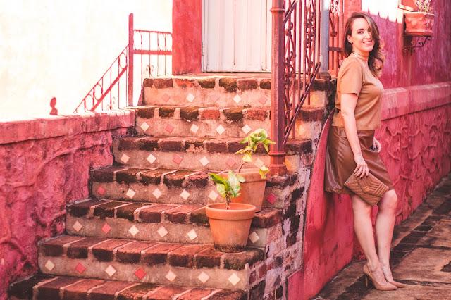 look monocromático, monocromático marrom e nude, look marrom e nude, scarpin nude, carmen steffens, scarpin nude carmen steffens, outono inverno 2017 carmen steffens, carmen steffens ribeirão preto, clutch carmen steffens, clutch nude, blog camila andrade, blogueira de moda em ribeirão preto, fashion blogger em ribeirão preto, o melhor blog de moda, blog de dicas de moda, blog do interior paulista