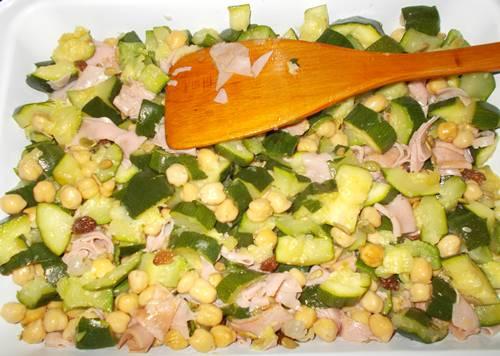 Receita light de salada de  grão de bico com presunto