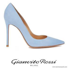 Crown Princess Mette Marit wore Gianvito Rossi Pumps in blue
