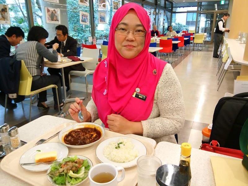 Blogger Anil Wanina Yang Mimi Kenali