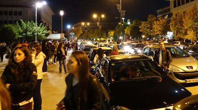 Στους δρόμους πέρασαν το βράδυ οι κάτοικοι των Ιωαννίνων από τα 5,5 Ρίχτερ (photos)