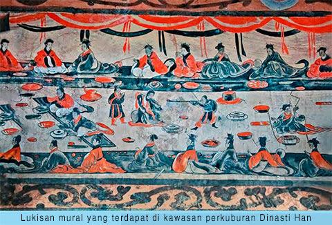 Lukisan mural yang terdapat di kawasan perkuburan Dinasti Han China