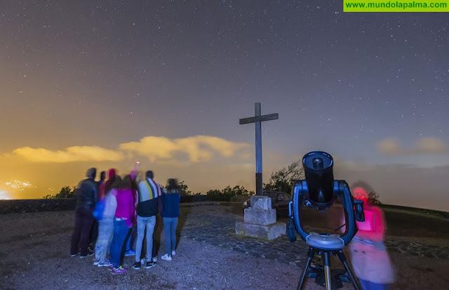 El Cabildo acerca la ciencia a los jóvenes con las actividades de 'El taller del astrónomo'
