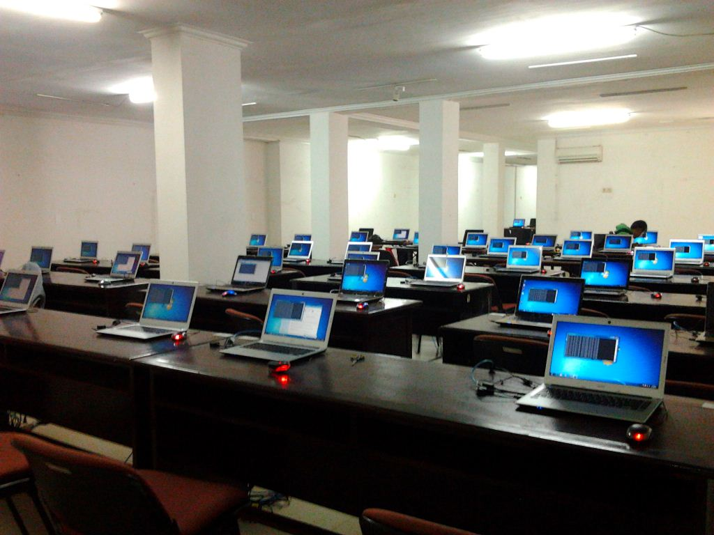 Hasil gambar untuk gambar sewa laptop di medan indomedia di medan