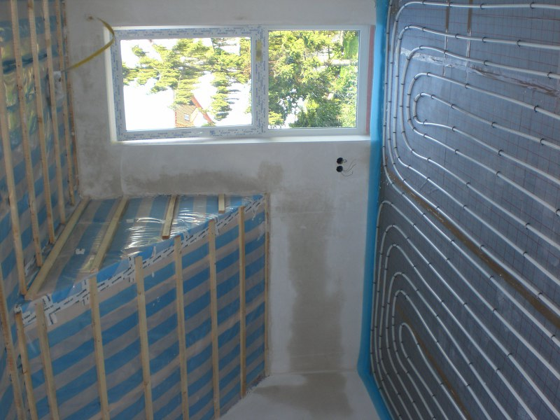 fu bodenheizung wird verlegt ein massivhaus entsteht. Black Bedroom Furniture Sets. Home Design Ideas