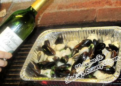 bbq juicy clams mussels in truffle oil white wine