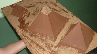 Trabajo escolar  maqueta piramides de egipto