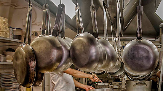 Traducción gastronómica: 50 Verbos de uso corriente en la cocina de un chef