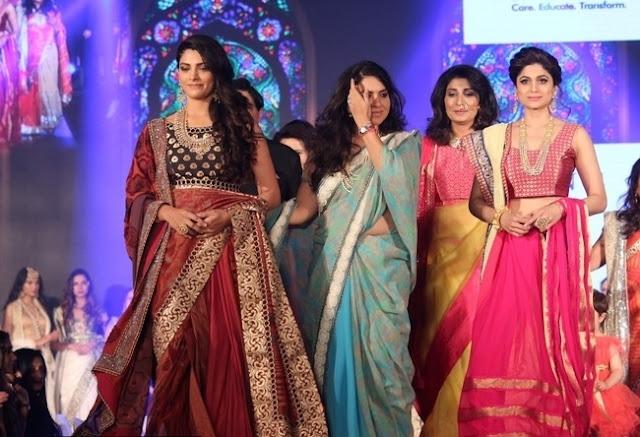 pooja_hegde_and_shamita_shetty_at_she_matters_fashion_show_photos