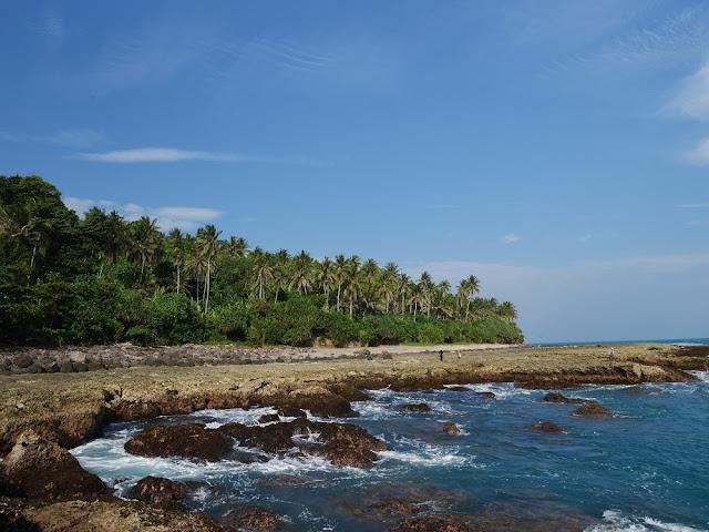 pantai di Pulau Sebesi