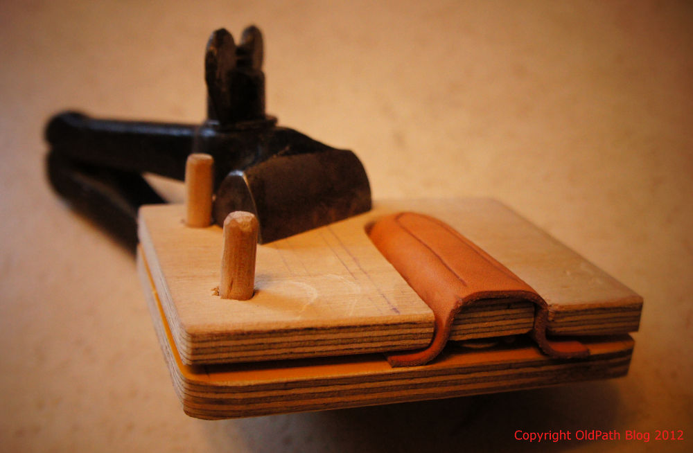 Old Path Simple Leather Press For Vic Sheath Making
