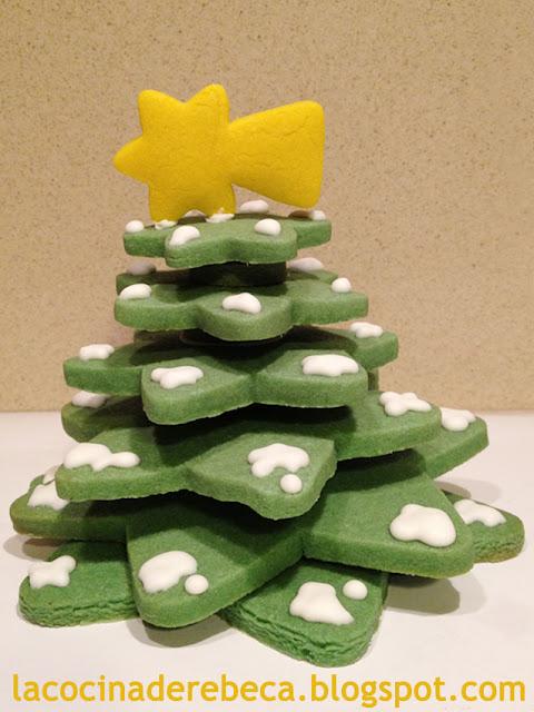 Árbol de Navidad de galletas decorado con glasa