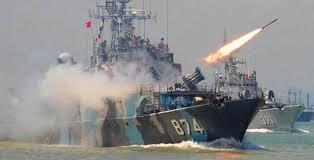 Kapal china yang melanggar dan mencuri ikan di kawasan indonesia tapi china salahkan Indonesia - Commando