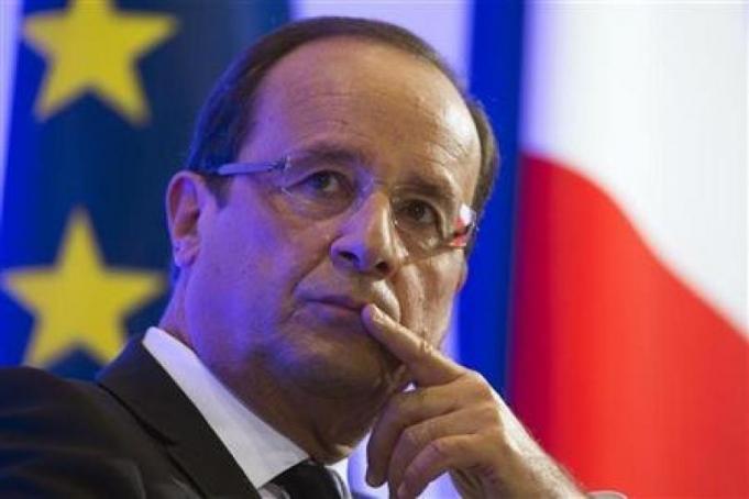Presiden Hollande Minta Masyarakat Memilih Macron