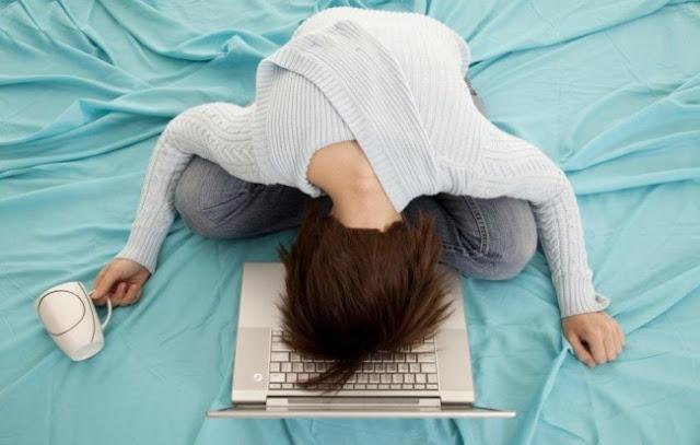 Wanita Ini Berencana Menikah dengan Laptop