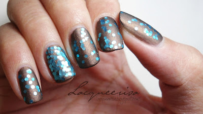 Lacqueerisa: A Touch of Blue