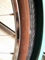 ヤマハPASナチュラL 電動アシスト自転車 空気圧は450kPa(4.5kgf/㎠、4.5bar)