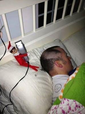 lustige Bilder schlafen und den Kopf rasiert bekommen